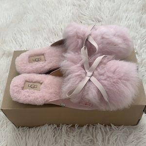 Brand new UGG shaine flur slip on slipper